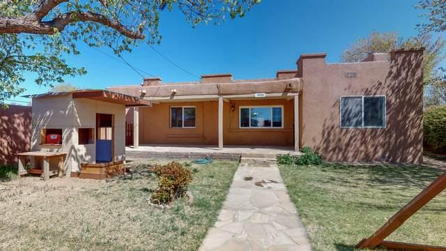 1939 San Ygnacio Road SW, Albuquerque, NM 87105 (MLS #965916) :: The Buchman Group