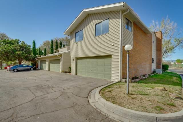 2 Lakeshore Drive NE, Albuquerque, NM 87112 (MLS #966077) :: Sandi Pressley Team