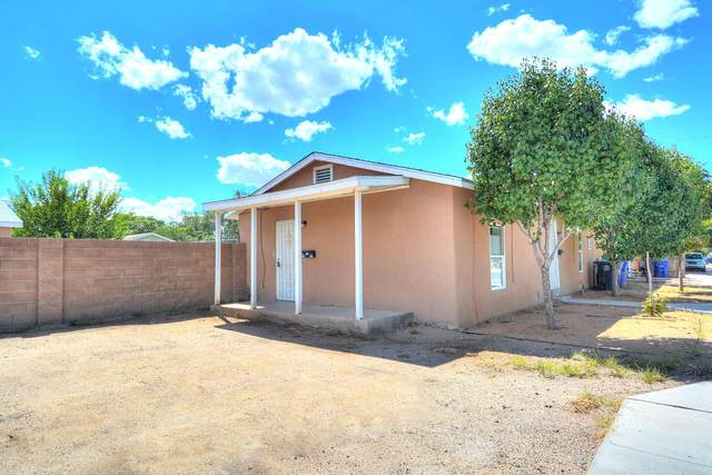 704 Pacific Avenue SW, Albuquerque, NM 87102 (MLS #966128) :: The Buchman Group
