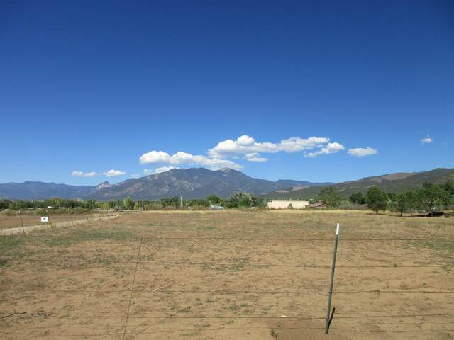 Tract 7 Camino Anglada, Taos, NM 87571 (MLS #966342) :: The Bigelow Team / Red Fox Realty