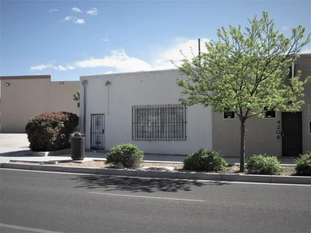 4208 Lead Avenue SE, Albuquerque, NM 87108 (MLS #966392) :: The Buchman Group