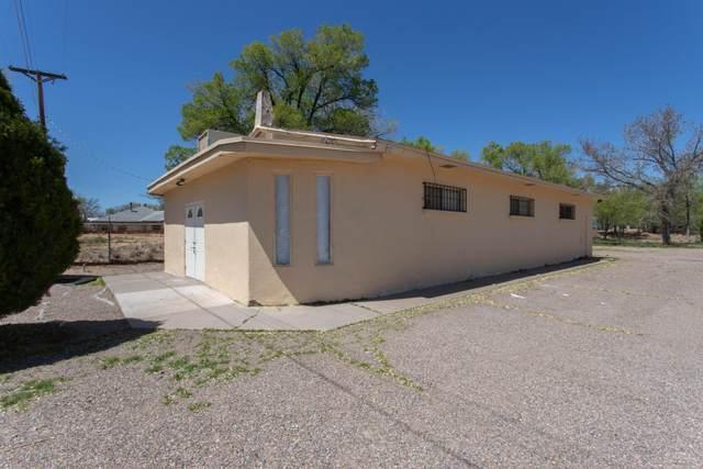1583 Sunset Gardens Road SW, Albuquerque, NM 87105 (MLS #966534) :: The Buchman Group