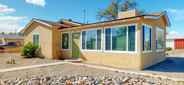 4409 Ridgeley Avenue NE, Albuquerque, NM 87108 (MLS #966640) :: The Buchman Group