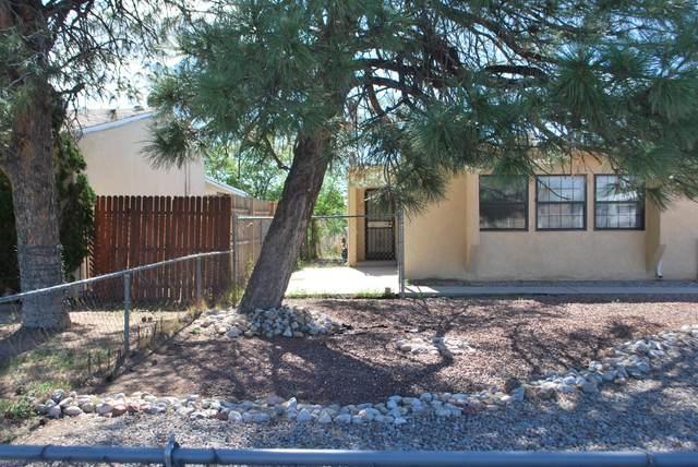 413 Dakota Street SE, Albuquerque, NM 87108 (MLS #967480) :: The Buchman Group