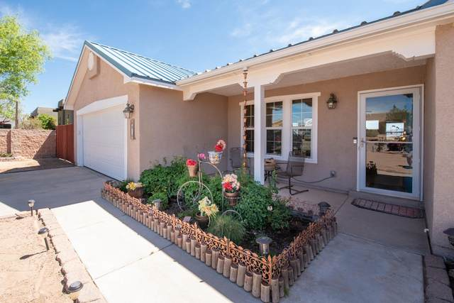 816 9TH Street NE, Rio Rancho, NM 87124 (MLS #967768) :: The Buchman Group