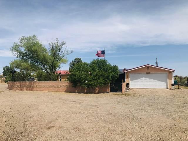 805 10TH Avenue NW, Rio Rancho, NM 87144 (MLS #967901) :: The Buchman Group