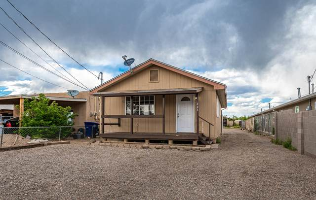 223 Veranda Road NW, Albuquerque, NM 87107 (MLS #968103) :: The Buchman Group