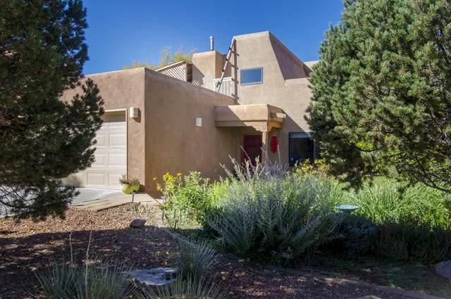 2852 Pueblo Bonito, Santa Fe, NM 87507 (MLS #968114) :: The Buchman Group