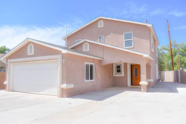 1801 Lake Drive SW, Albuquerque, NM 87105 (MLS #968289) :: The Buchman Group