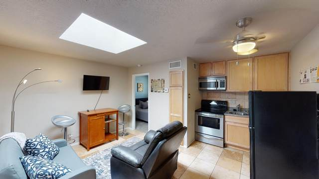 351 Washington Street SE #205, Albuquerque, NM 87108 (MLS #968530) :: The Buchman Group