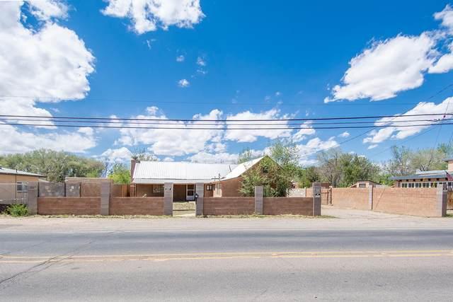 4821 Isleta Boulevard SW, Albuquerque, NM 87105 (MLS #968554) :: The Buchman Group