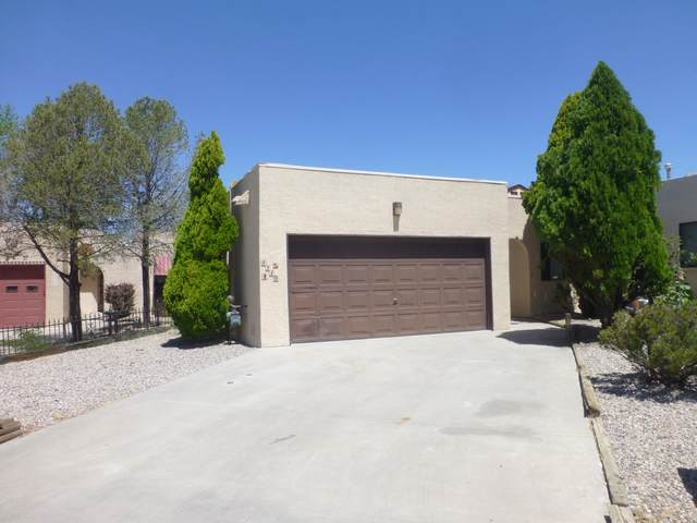 1110 Calle Del Valle Place, Belen, NM 87002 (MLS #968629) :: The Buchman Group