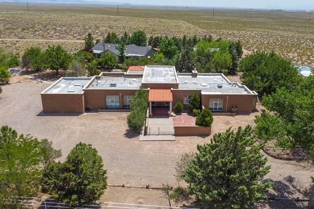202 Playa Verde Drive, Belen, NM 87002 (MLS #968781) :: The Buchman Group