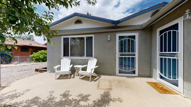 613 Madison Street NE, Albuquerque, NM 87110 (MLS #968788) :: Campbell & Campbell Real Estate Services