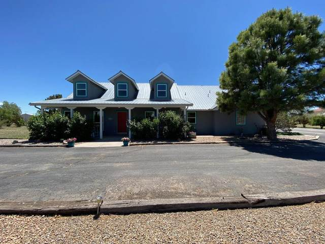 3 Grubstake Court, Moriarty, NM 87035 (MLS #968796) :: Campbell & Campbell Real Estate Services