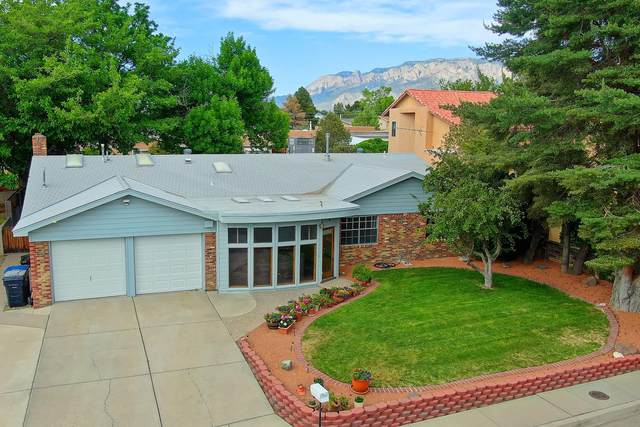 8901 Harwood Avenue NE, Albuquerque, NM 87111 (MLS #968860) :: Campbell & Campbell Real Estate Services