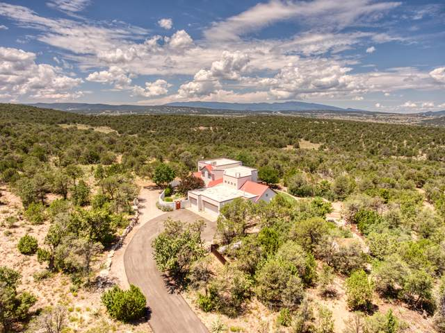 10 Lomas Court, Edgewood, NM 87015 (MLS #968871) :: Campbell & Campbell Real Estate Services