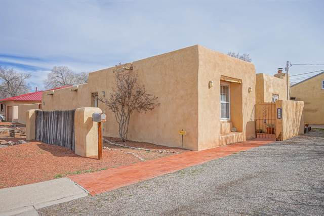 3100 9TH Street NW, Albuquerque, NM 87107 (MLS #968879) :: Campbell & Campbell Real Estate Services