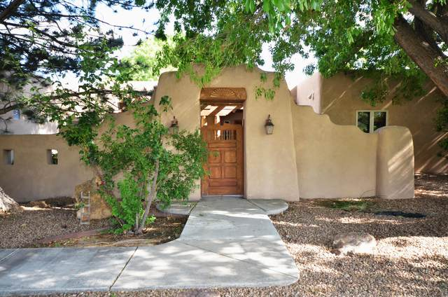 1728 Rusty Road NW, Albuquerque, NM 87114 (MLS #968953) :: The Buchman Group