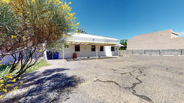 615 Ortiz Drive NE, Albuquerque, NM 87108 (MLS #969000) :: The Buchman Group