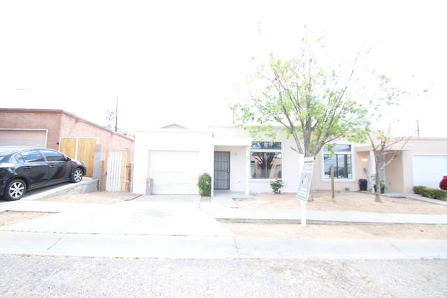 204 Merlida Street SW, Albuquerque, NM 87121 (MLS #969096) :: Campbell & Campbell Real Estate Services