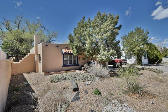 309 Girard Boulevard SE, Albuquerque, NM 87106 (MLS #969116) :: The Buchman Group