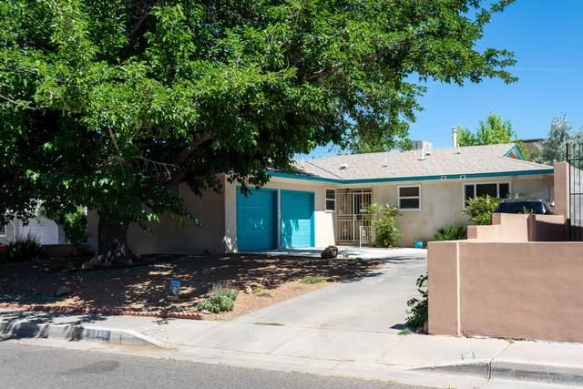 3809 Douglas Macarthur Road NE, Albuquerque, NM 87110 (MLS #969163) :: Campbell & Campbell Real Estate Services