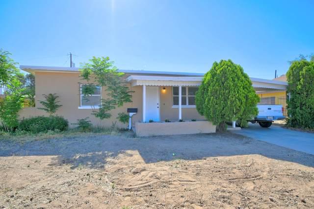 2732 Solano Drive NE, Albuquerque, NM 87110 (MLS #969187) :: Campbell & Campbell Real Estate Services
