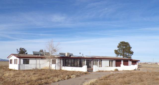 526 Lexco Road, Moriarty, NM 87035 (MLS #969285) :: Campbell & Campbell Real Estate Services