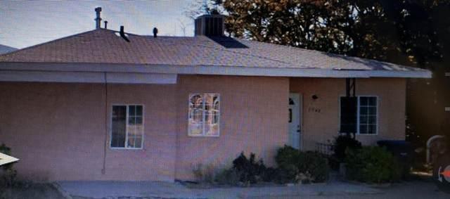 2842 Madison Street NE, Albuquerque, NM 87110 (MLS #969312) :: The Buchman Group