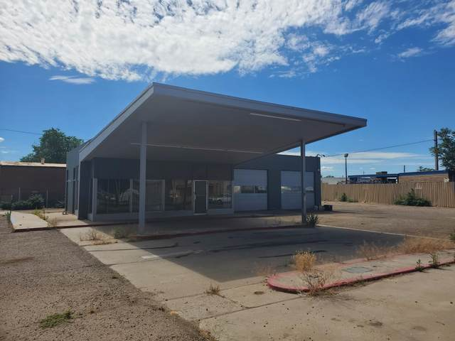 3910 4TH Street NW, Albuquerque, NM 87107 (MLS #969318) :: The Buchman Group
