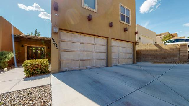 9809 Benton Street NW, Albuquerque, NM 87114 (MLS #969361) :: The Buchman Group