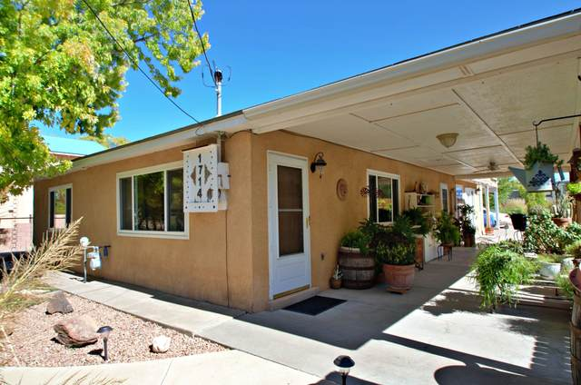 1714 Gabaldon Road NW, Albuquerque, NM 87104 (MLS #969430) :: The Buchman Group
