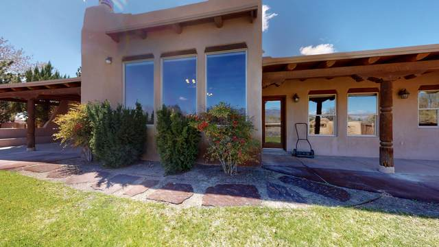 105 Thanes Way, Corrales, NM 87048 (MLS #969474) :: The Buchman Group