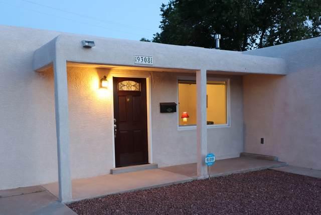 9308 Arvilla Avenue NE, Albuquerque, NM 87111 (MLS #969523) :: The Buchman Group