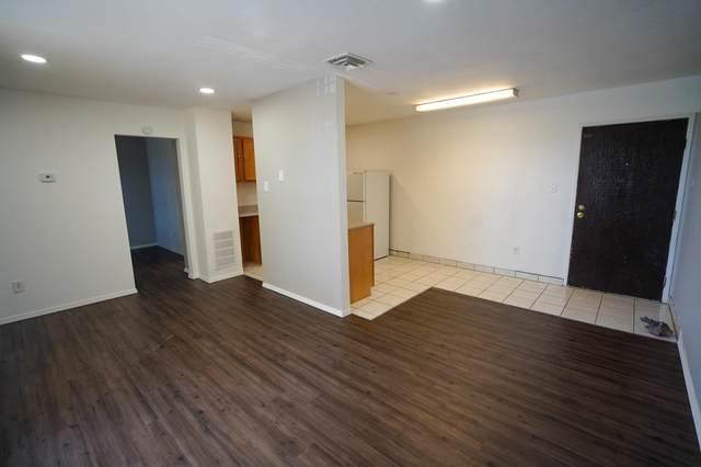 2800 Vail Avenue SE #111, Albuquerque, NM 87106 (MLS #969528) :: The Buchman Group