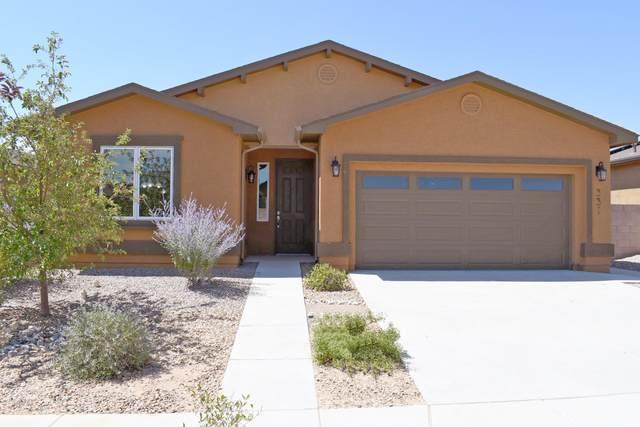 331 Zuni River Circle SW, Los Lunas, NM 87031 (MLS #970962) :: The Buchman Group
