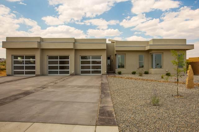 1429 22ND Avenue SE, Rio Rancho, NM 87124 (MLS #970972) :: The Buchman Group