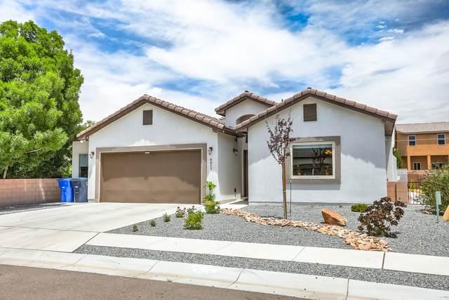 8827 Bernal Court NE, Albuquerque, NM 87113 (MLS #971574) :: The Buchman Group