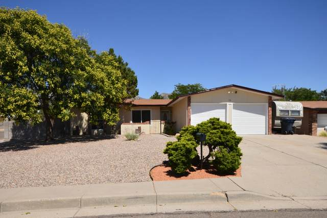 744 Landman Place NE, Albuquerque, NM 87123 (MLS #971640) :: Berkshire Hathaway HomeServices Santa Fe Real Estate