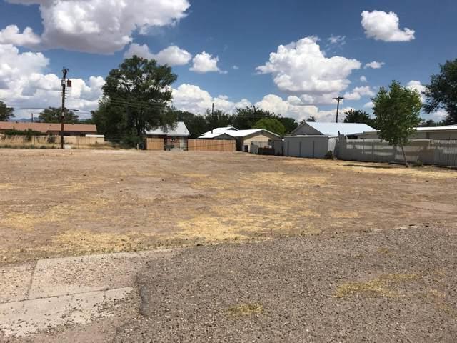 301 Ross Avenue, Belen, NM 87002 (MLS #971773) :: Berkshire Hathaway HomeServices Santa Fe Real Estate