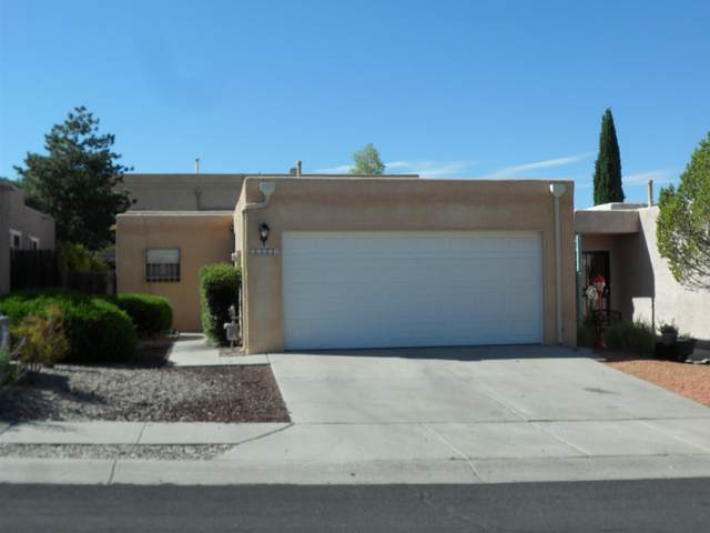 11116 Wales Avenue NE, Albuquerque, NM 87111 (MLS #971776) :: The Bigelow Team / Red Fox Realty