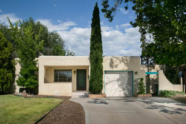 324 Laguayra Drive NE, Albuquerque, NM 87108 (MLS #971786) :: The Bigelow Team / Red Fox Realty