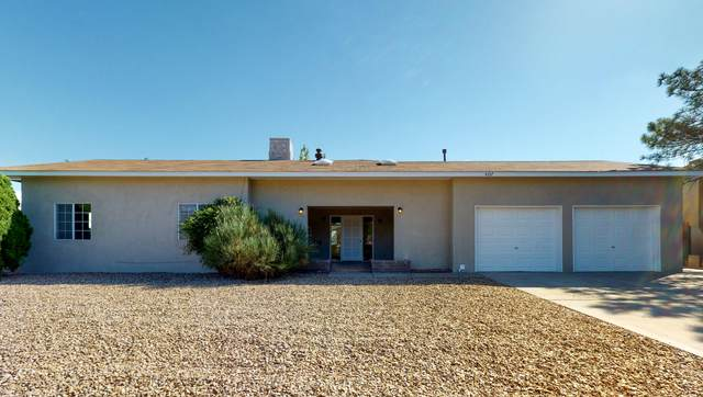 4107 La Merced Court SE, Rio Rancho, NM 87124 (MLS #971803) :: The Bigelow Team / Red Fox Realty