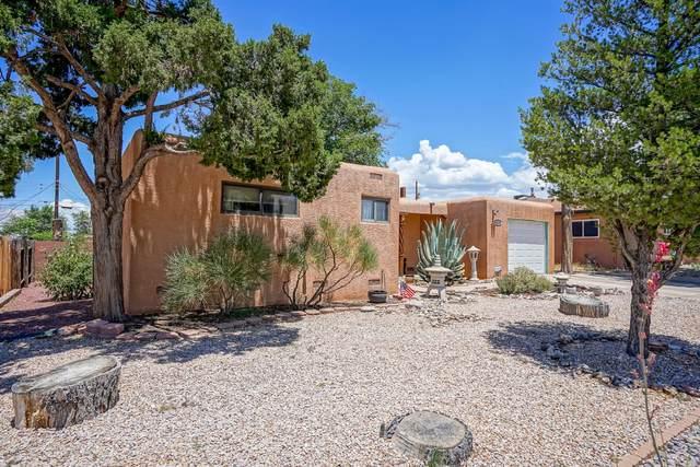 4305 Ponderosa Avenue NE, Albuquerque, NM 87110 (MLS #971855) :: The Bigelow Team / Red Fox Realty