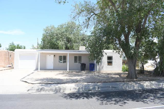 5913 Candelaria Road NE, Albuquerque, NM 87110 (MLS #972064) :: Campbell & Campbell Real Estate Services