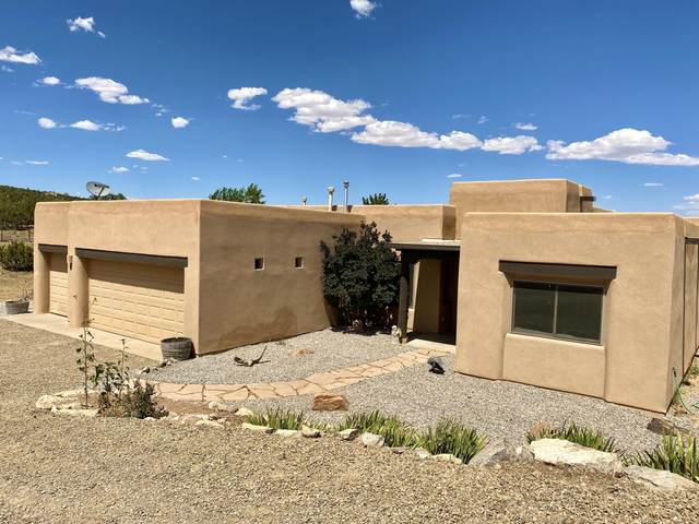 5 Blue Mule Court, Edgewood, NM 87015 (MLS #972084) :: Campbell & Campbell Real Estate Services
