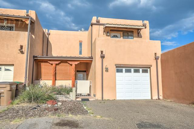 785 Tramway Lane NE #16, Albuquerque, NM 87122 (MLS #972097) :: Campbell & Campbell Real Estate Services