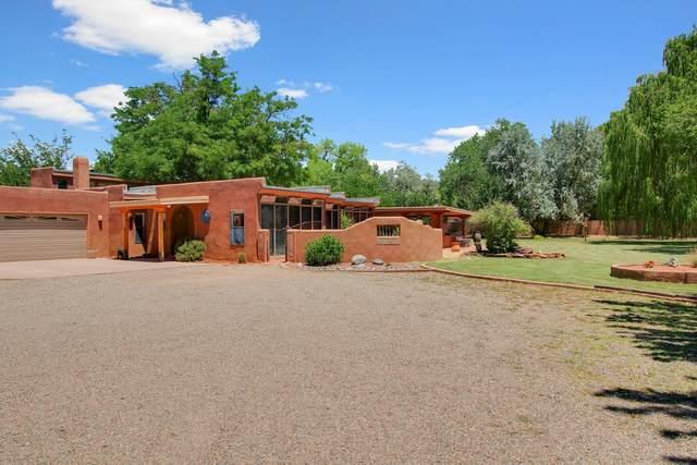805 Ranchitos Road NW, Los Ranchos, NM 87114 (MLS #972118) :: Campbell & Campbell Real Estate Services