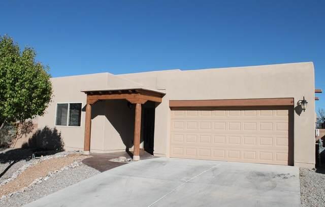 1526 White Pine Drive NE, Rio Rancho, NM 87144 (MLS #972183) :: The Buchman Group
